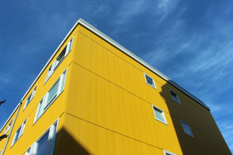 copenhagen-very-joelle-yellow-building